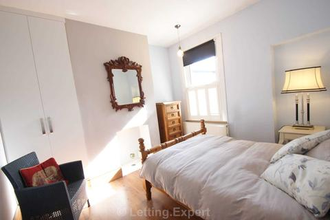 1 bedroom house share to rent - WANT TO LIVE IN OPULENCE? Burdett Avenue, Westcliff On Sea