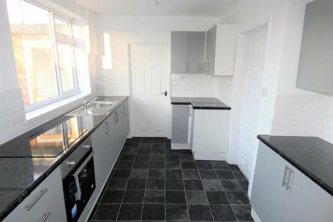 3 bedroom semi-detached house to rent - Redruth Avenue, Stockton on Tees, TS19
