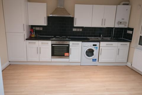 2 bedroom flat to rent - Upper Tooting Road, Tooting Bec, London SW17