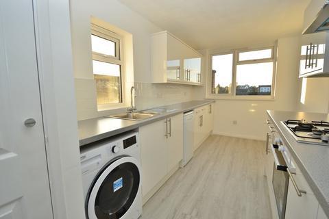 2 bedroom apartment to rent - King Charles Road, Surbiton