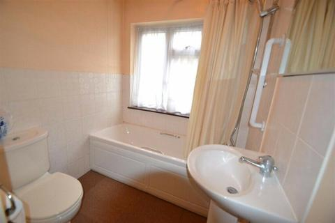 2 bedroom end of terrace house to rent - Saxon Avenue, Feltham, Middlesex, TW13