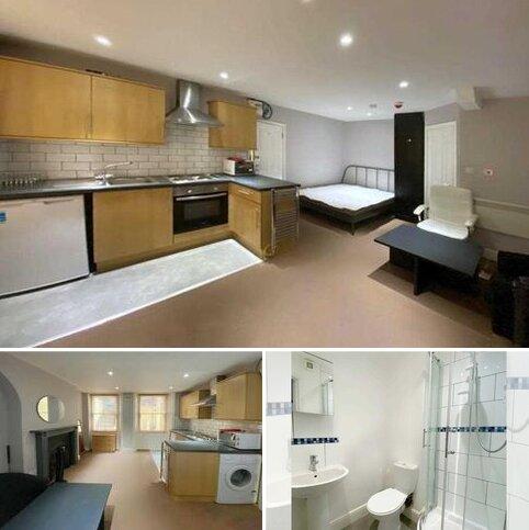 Studio to rent - Oriental Place, Brighton