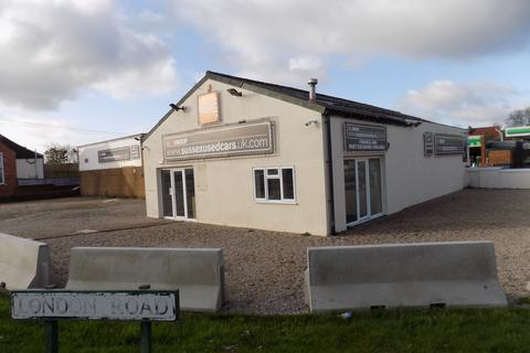 Retail property (high street) to rent - London Road, Bexhill-on-Sea