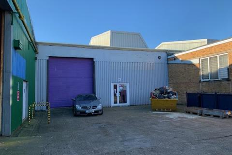 Industrial unit to rent - Newport Road, Lake