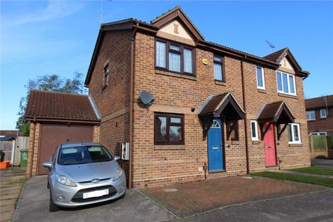 3 bedroom semi-detached house to rent - Terence Webster Road, Wickford, Essex, SS12
