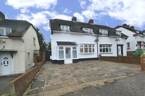 3 bedroom semi-detached house to rent - Havering Road, Romford