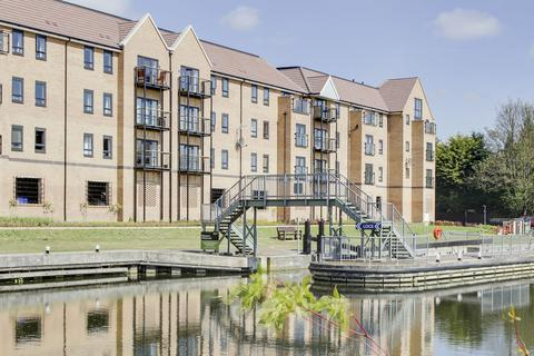 2 bedroom apartment for sale - Marbled White Court, Little Paxton, St. Neots