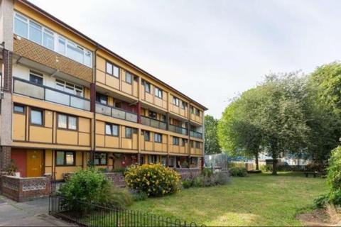 3 bedroom maisonette to rent - Seyssel Street  E14