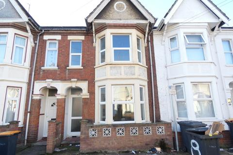 4 bedroom terraced house to rent - Aspley Road, Bedford