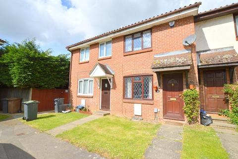 2 bedroom terraced house to rent - Pytchley Close, Luton, Bedfordshire, LU2 7YS