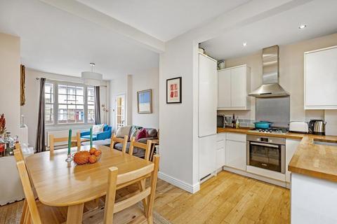 2 bedroom cottage to rent - Coteford Street, London SW17