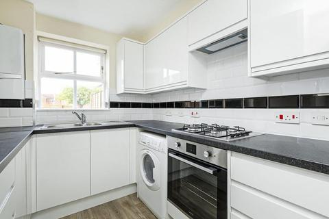 4 bedroom townhouse to rent - Massingberd Way, London SW17