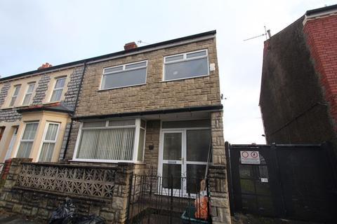 3 bedroom terraced house for sale - Castleland Street, Barry