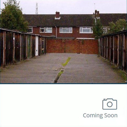 Property to rent - Garage to let Abridge Close, Waltham Cross