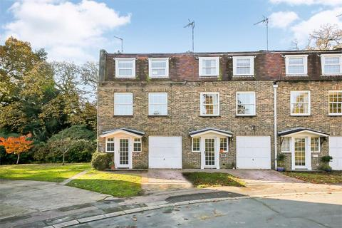 4 bedroom end of terrace house to rent - Trinity Close, Tunbridge Wells