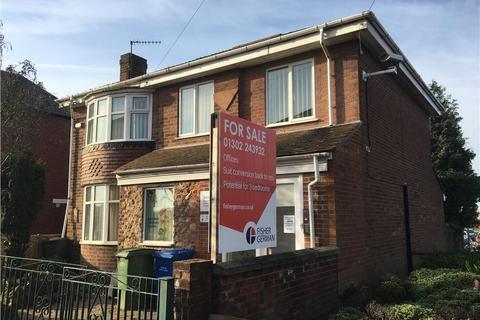 Property for sale - 185 Carlton Road , Worksop , Nottinghamshire , S81 7AD