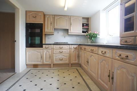 4 bedroom semi-detached house to rent - Whitbarrow Road, Lymm