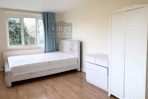 3 bedroom house to rent - Willingdon Road, London