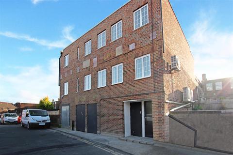 2 bedroom flat to rent - St Wilfrids Way, Haywards Heath