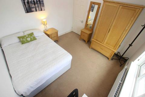 1 bedroom house share to rent - St John`s Road