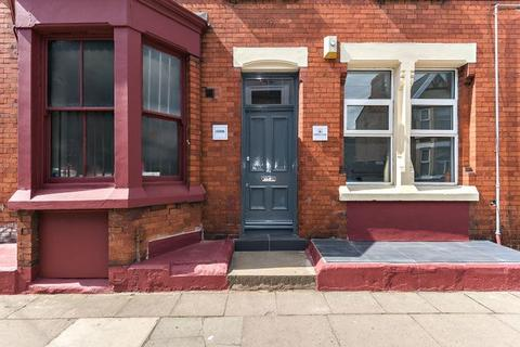 8 bedroom terraced house to rent - Ferndale Road, Liverpool, Merseyside, L15