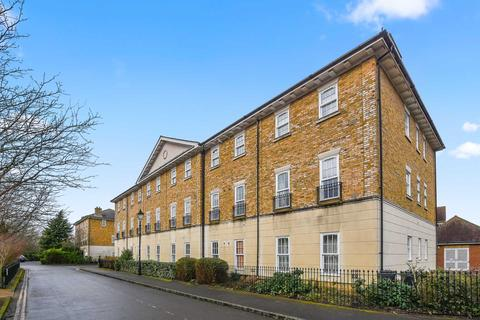 2 bedroom flat for sale - Churchill Court, Waterside