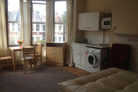 Studio to rent - Palmerston Rd N22