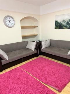 2 bedroom terraced house to rent - Hewett Road, Dagenham RM8