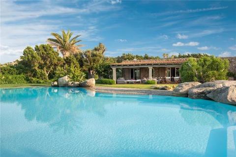 7 bedroom house - Punta Volpe, Porto Rotondo, Sardinia, Italy