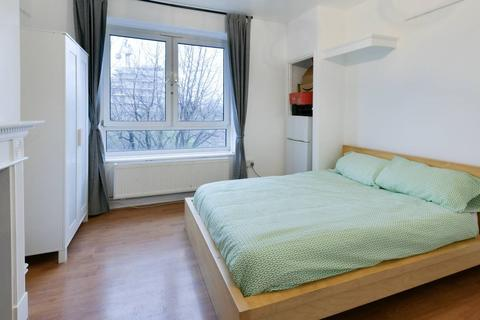 1 bedroom flat share to rent - Northesk House, Tent Street, London E1