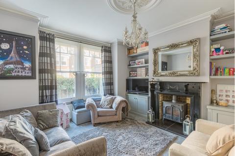 3 bedroom end of terrace house for sale - Beech Hall Road, Highams Park, E4