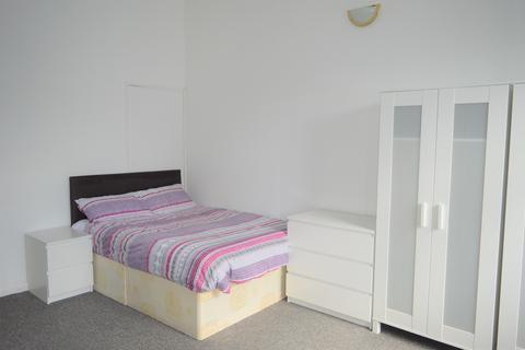 1 bedroom flat share to rent - Whitechapel Road, London E1