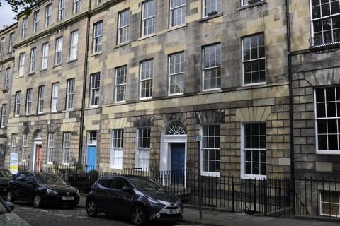 4 bedroom flat to rent - Gayfield Square, Central, Edinburgh, EH1 3PA