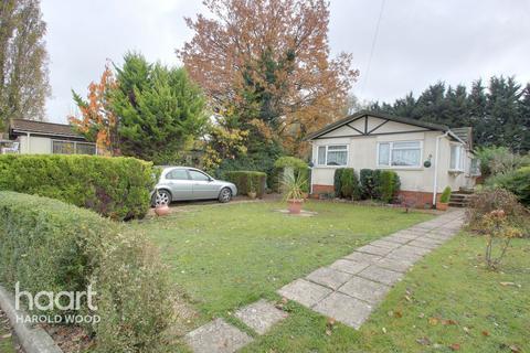 2 bedroom park home for sale - Cummings Hall Lane, Romford