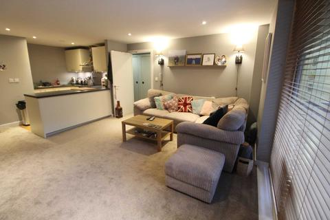 2 bedroom apartment to rent - Base 12 Arundel Street, Manchester