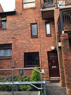 2 bedroom flat to rent - Hill top Court , Luton  LU1
