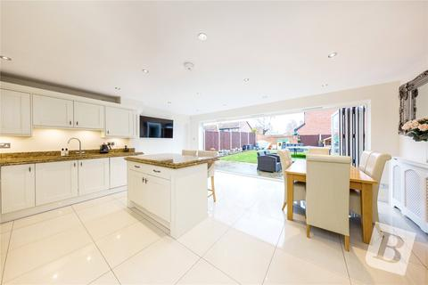 4 bedroom detached house for sale - Creasey Close, Hornchurch, RM11