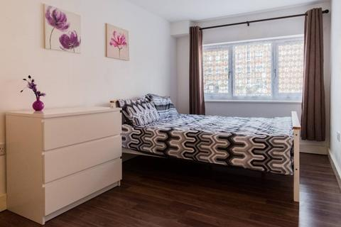 1 bedroom house share to rent - Saltwell Street, Poplar, London E14