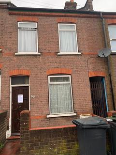 2 bedroom terraced house to rent - St Peters Road, Luton  LU1