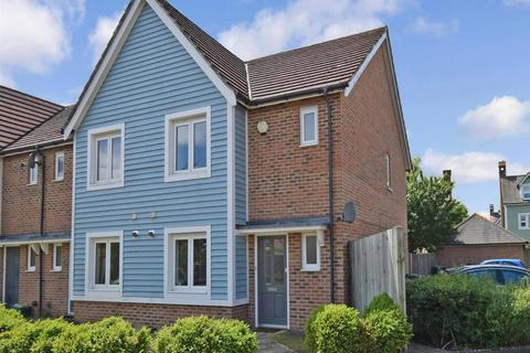 3 bedroom semi-detached house to rent - The Rushes Larkfield ME20