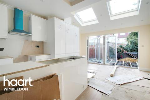 3 bedroom end of terrace house to rent - Gore Road, SW20
