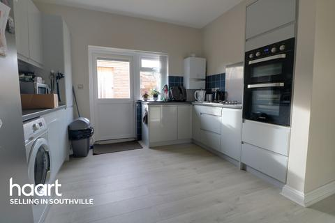 2 bedroom bungalow for sale - Whitchurch Lane, Bristol