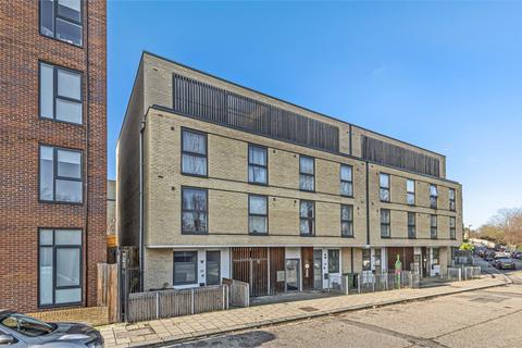 1 bedroom flat for sale - Gunton Mews, Nightingale Grove, London