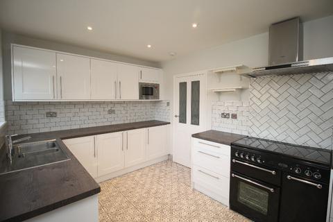 4 bedroom detached house to rent - Bonaly Gardens, Bonaly, Edinburgh, EH13 0EX