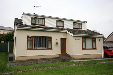 4 bedroom detached house for sale - Holyhead, Angelsey