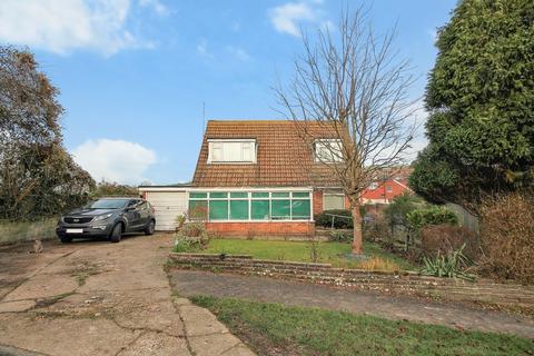 3 bedroom detached bungalow for sale - Valley Road, Sompting
