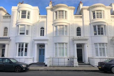 2 bedroom apartment to rent - Gloucester Terrace, London