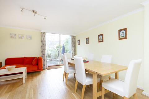 3 bedroom apartment to rent - Spice Court, Asher Way, London, E1W