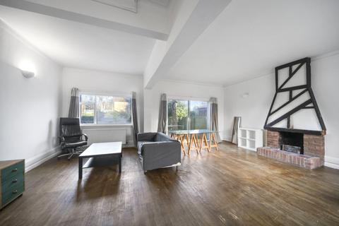 6 bedroom detached house to rent - Westcombe Park Road, London, SE3