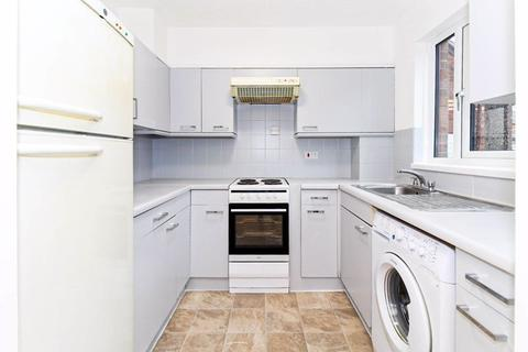 1 bedroom apartment to rent - Medesenge Way, Palmers Green, N13